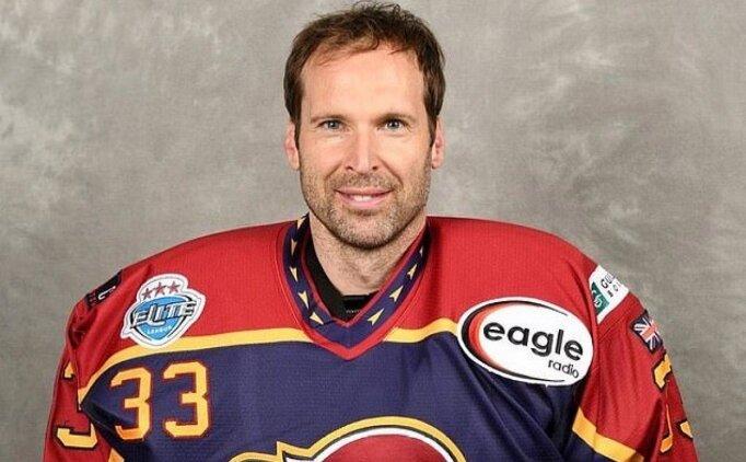 Petr Cech, buz hokeyi takımına transfer oldu