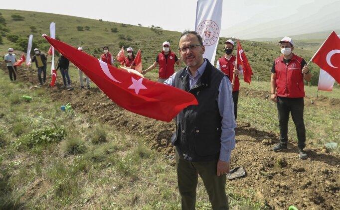 Bakan Kasapoğlu: 'Türkiye koronavirüse karşı örnek bir mücadele veriyor'