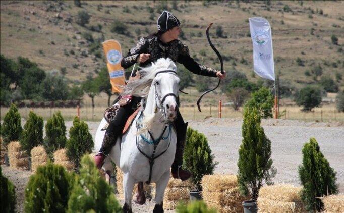 Kayseri'de, atlı okçuların yetiştirileceği merkezin temeli atıldı