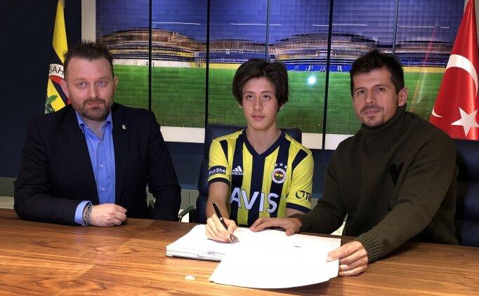 Fenerbahçe'de 2,5 yıllık imza!