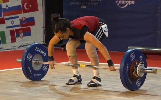 Asuman Ayhan Avrupa ikincisi oldu