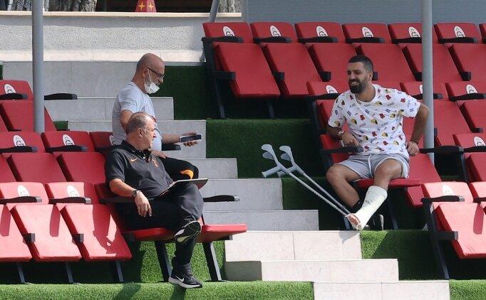 Galatasaray'da Arda Turan en az 2 ay yok!
