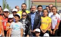 Aykut Kocaman, genç sporcularla buluştu