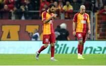 Galatasaray taraftarından futbolculara tepki