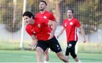 Antalyaspor'un yeni transferi Leschuk imzayı attı!