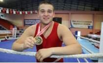 Zayıflamak için başladığı boksta Türkiye şampiyonu oldu