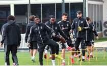 Beşiktaş antrenman için sahaya iniyor