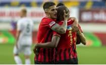 Berat Özdemir, Frankfurt ve Mönchengladbach'ın transfer listesinde!