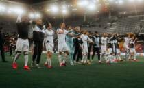 Eintracht Frankfurt turu aldı, Basel'in rakibi oldu