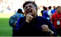 Akhisarspor'a teknik direktör Yılmaz Vural ve 3 futbolcudan iyi haber