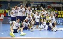 Fenerbahçe HDI Sigorta set vermedi!