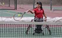 Milli paralimpik sporcu Büşra Ün, tenisi bıraktığını açıkladı