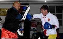 Dünya ikincisi Sefa Köksal, Kick Boks Avrupa Şampiyonası'na hazırlanıyor