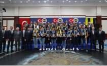 Fenerbahçe'den Tokyo 2020'de mücadele eden sporcularına ve ailelerine özel yemek
